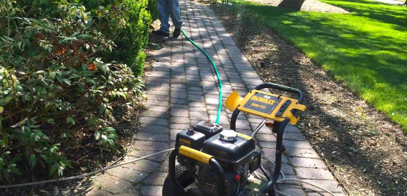 73901-before-power-washing-walkway-front-home
